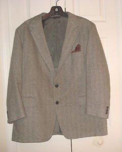 100% Cashmere  Sport Coat Blazer Gray Classic Herringbone Strathmore 44R
