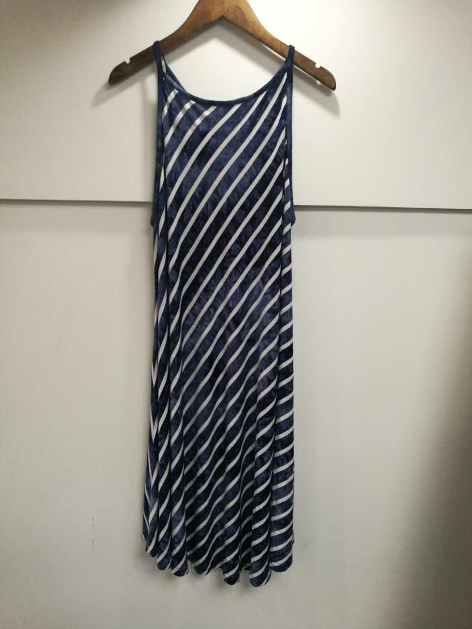 New Women's sleeveless dress