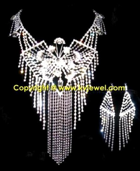 Web Bib Necklace Set