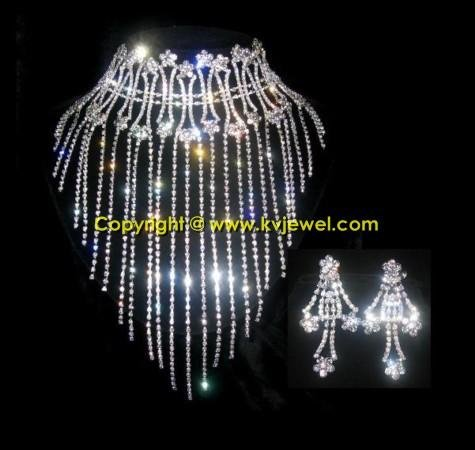 Bibs necklace set