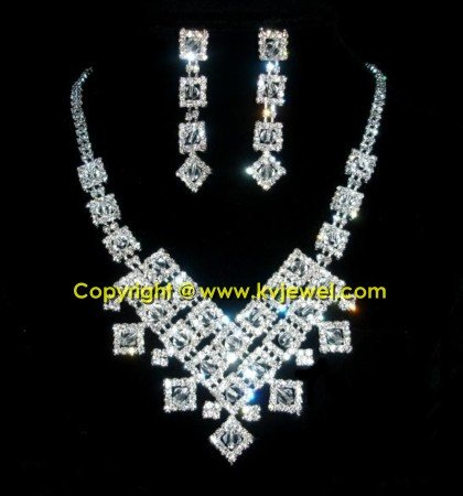 Diamond drop rhinestone necklace