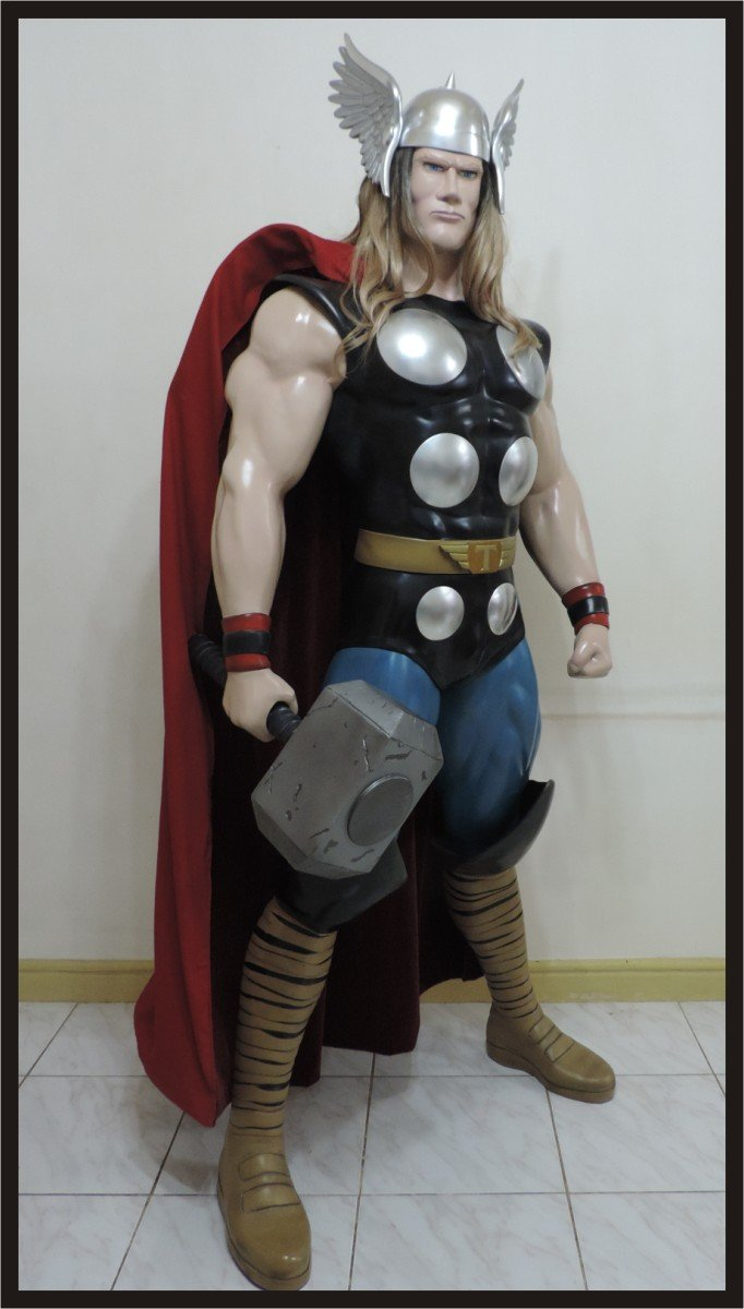 Custom Made Life Size Classic Thor Superhero Statue Prop