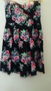No Boundaries Sweetheart Neckline Black Halter Dress Red Roses 100% Cotton L 11