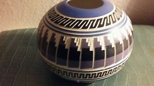 "Navaho Pottery Bowl Handmade Native American 6"" Diameter 5"" High"