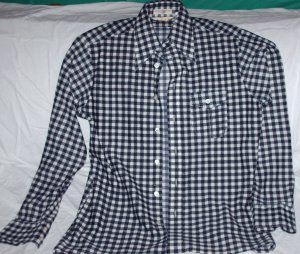 Mens Long Sleeve Black/White check shirt by Capri, Sz M