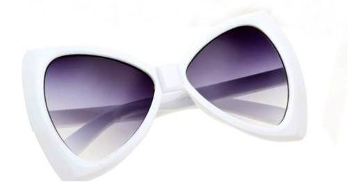 WOMEN'S XLARGE DESIGNER INSPIRED WHITE CAT'S EYE SUNGLASSES DEPARTMENT STORE QUALITY