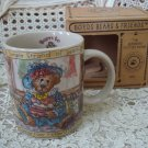 BOYDS BORN TO SHOP MUG GREAT FOR PERSON WHO ENJOYS SHOPPING *NEW STORE STOCK*