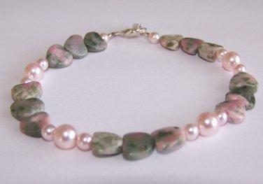 Nevada Hearts Bracelet handmade beaded bracelet by Sapphire Rain Designs