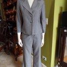 TAHARI Gray And White Pinstripe 3/4 Sleeve Blazer And Pant Suit 8