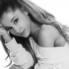 "Ariana Grande  18""x28"" (45cm/70cm) Poster"