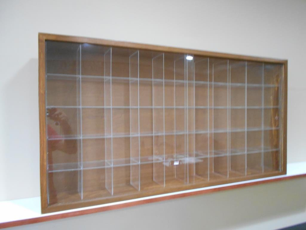 Showcase, Wall Display case cabinet for baseball balls or miniatures helmets