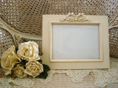 SHABBY FRENCH CHIC LARGE BOW PICTURE FRAME ***BEAUTIFUL***