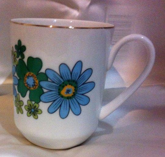 Green and Blue Flowered Creative Japan Mug
