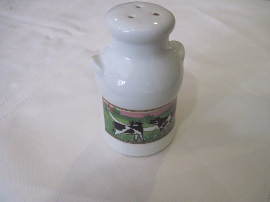 Sugar or Salt Cow Shaker