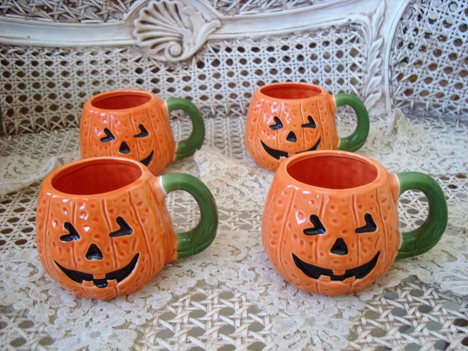 MIDWEST OF CANNON FALLS SET OF 4 HALLOWEEN PUMPKIN CERAMIC MUGS **RETIRED***