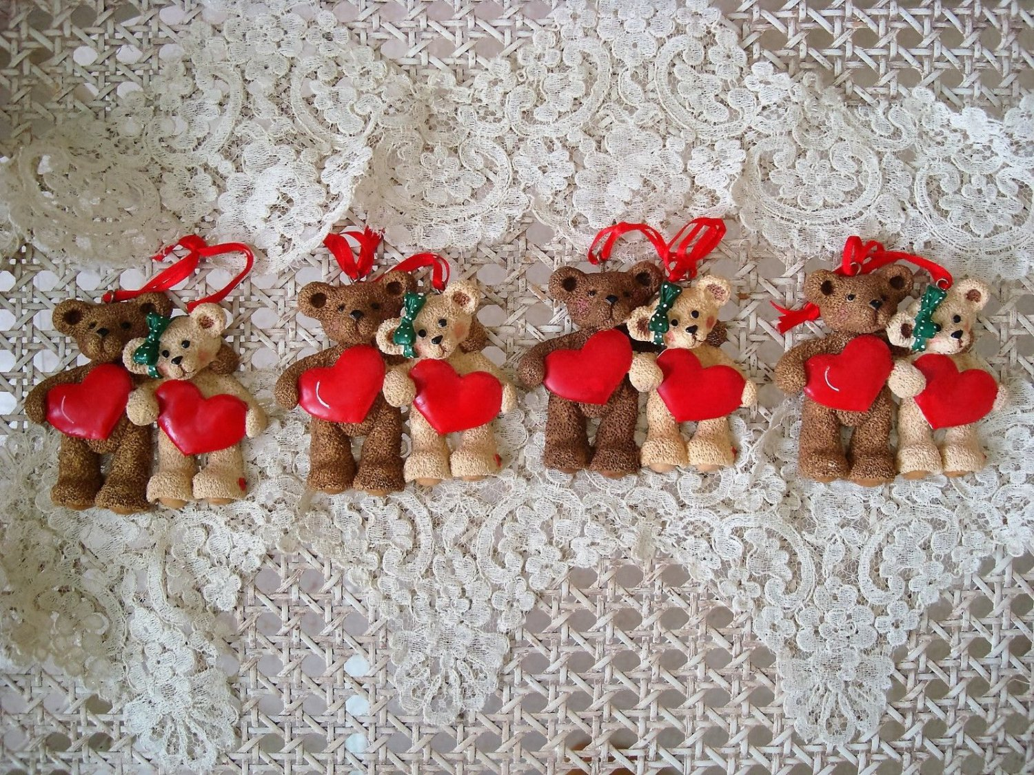 HOLLY BEARIES 4 RETIRED BEARS HOLDING HEARTS CHRISTMAS ORNAMENTS *NEW*