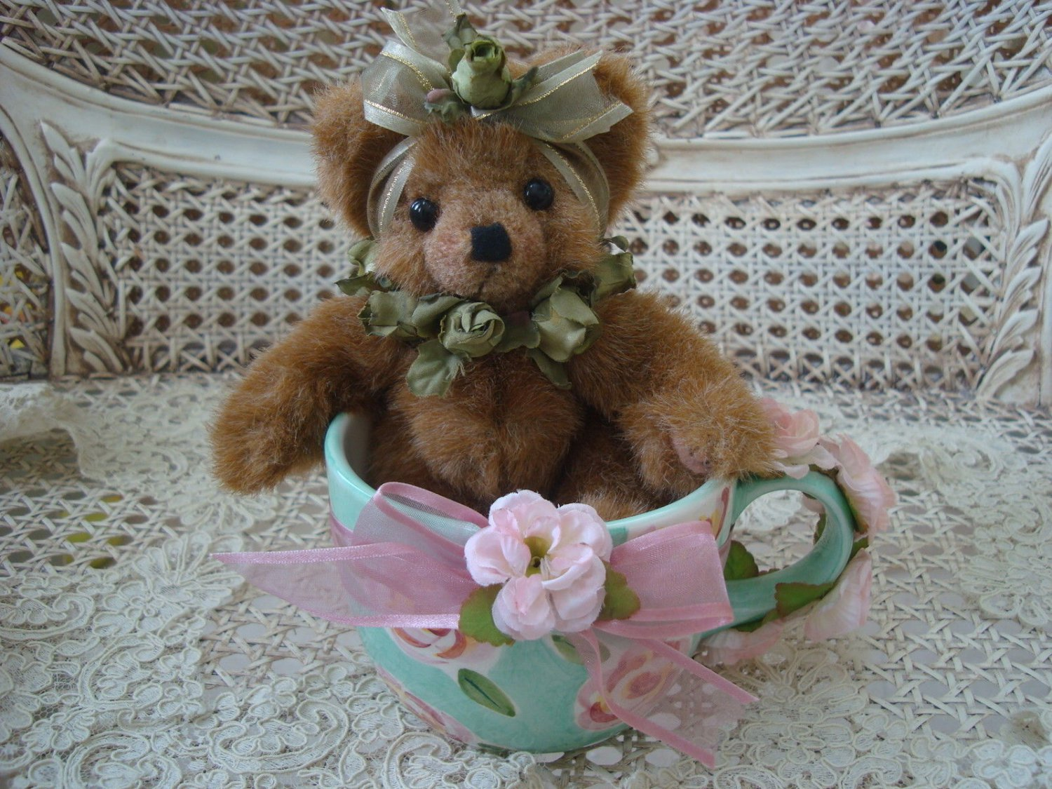 """ADORABLE 8"""" TALL BEAR DECORATED WITH ROSES IN LARGE CERAMIC CUP **SPRING**"""