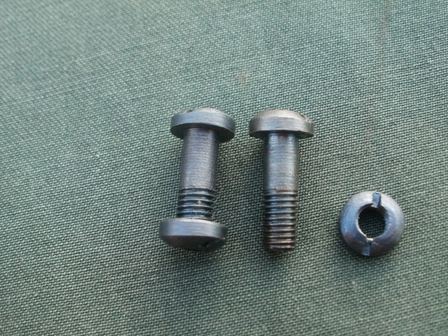 WW2 SVT-40  grip screws