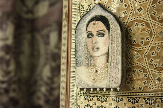 BENANDLU - Brooch pendant portrait. east is a delicate matter. Handmade jewelry embroidery