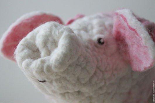 BENANDLU - Waldorf doll. Musical Piglet