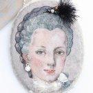 BENANDLU  - Brooch pendant Maria Josepha of Lorraine. Silk embroidery