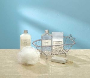 GIFT SET IN DECORATIVE TUB