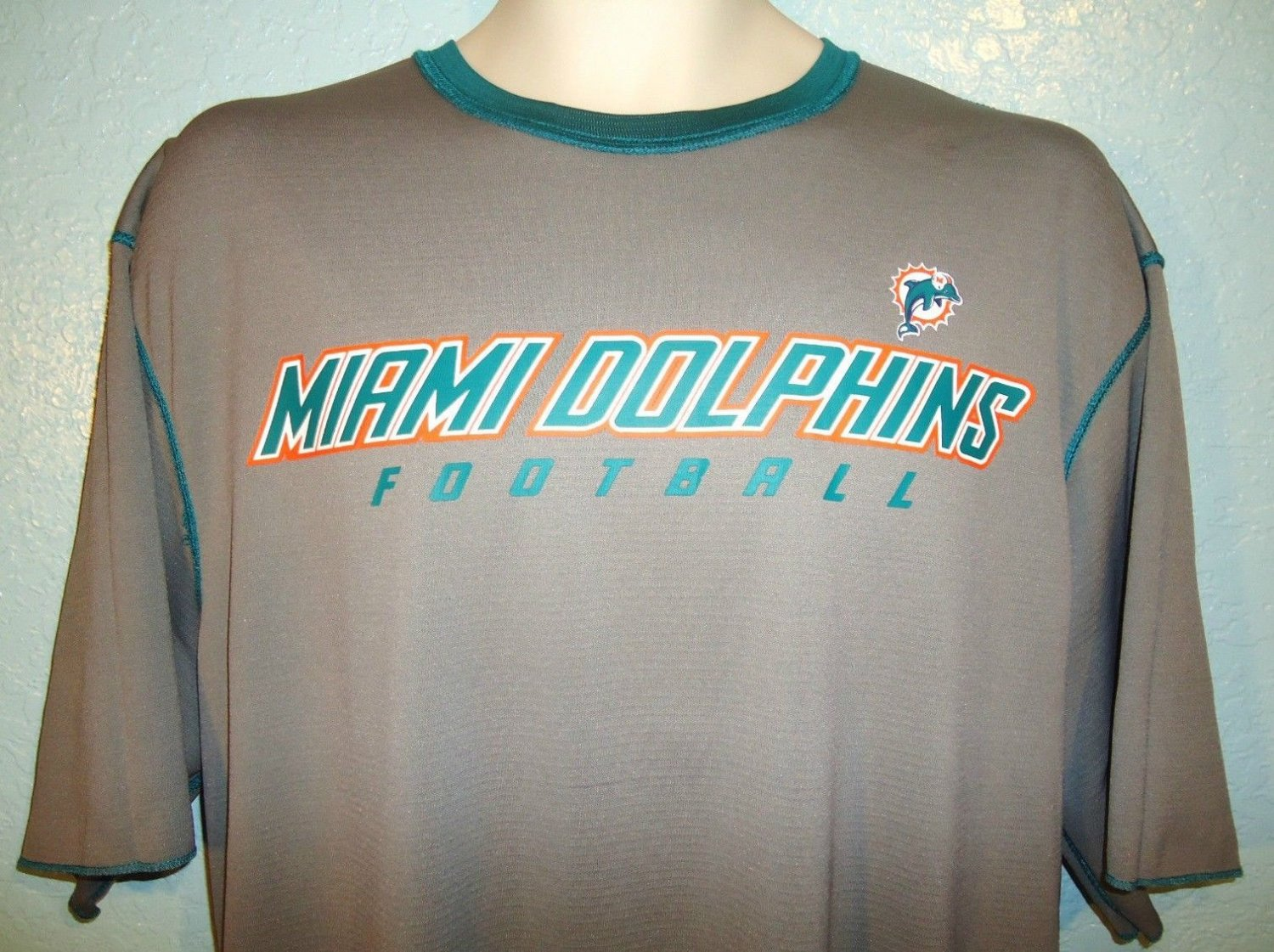 NFL - MIAMI DOLPHINS - TEAM - APPAREL - REVERSIBLE - FOOTBALL - JERSEY - L - NEW