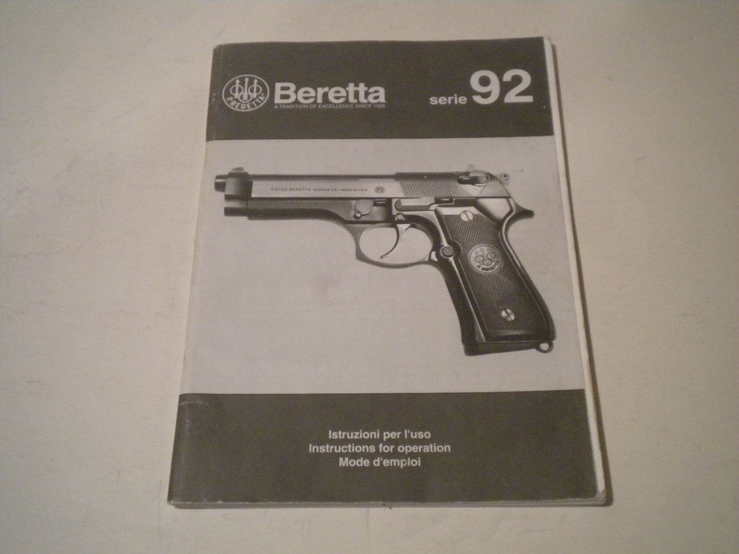 Really cool early Beretta serie 92, not 92F or 92FS Instructions for operation