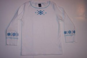 GAP SNOWFLAKE TOP