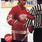1991/92 NHL  Pro Set Hockey Card Steve Yzerman #62  N/Mint