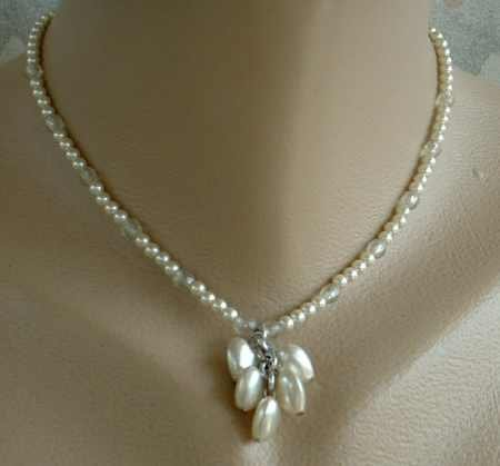 Faux Pearl Hearts Cluster Pendant Choker Necklace Vintage Sweetheart Jewelry