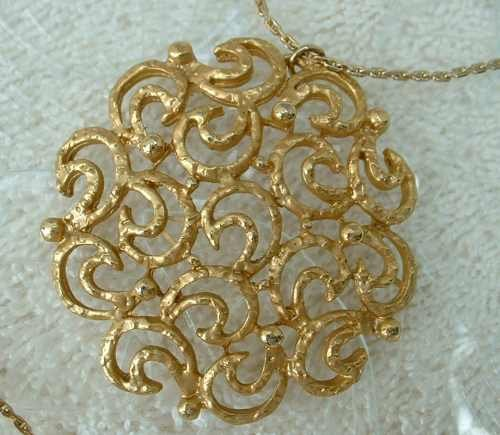 Openwork Floral Pendant Necklace GP Vintage Jewelry Designer Quality