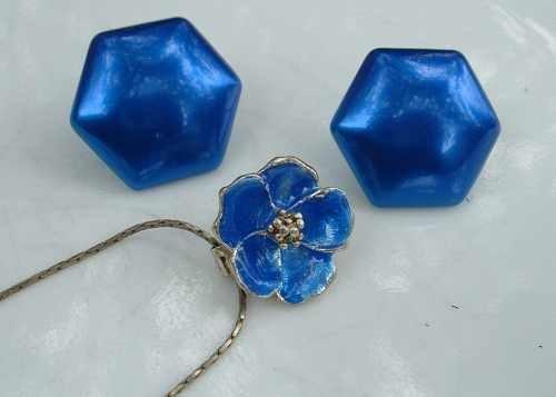 Enameled Cobalt Blue Slider Floral 17-inch Necklace and Post Earrings Set Vintage