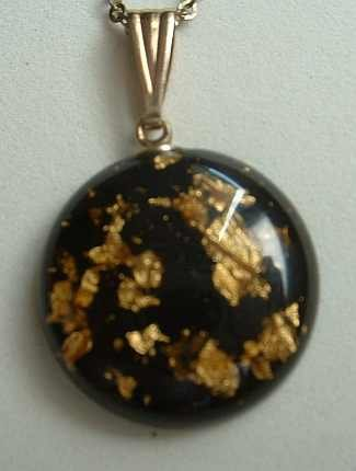 Confetti Lucite Vintage Pendant Necklace Lots of Glitter Vintage Jewelry