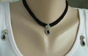 Black Pear Rhinestones Ribbon Necklace Post Earrings Set Vintage Jewelry