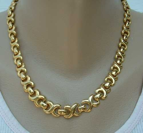 Feminine Circle 8 Goldtone Link Necklace 18-inches Jewelry