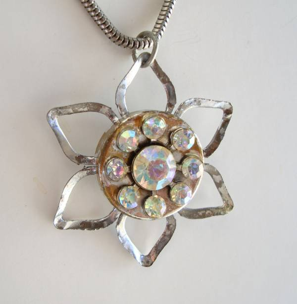 Vintage AB Rhinestone Star-Shaped Pendant Necklace Snake Chain Jewelry