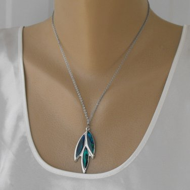 Triple Leaf Poured Art Glass Pendant Necklace Blue Green Vintage Jewelry