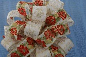 POINSETTIAS & GOLD SNOWFLAKES CHRISTMAS TREE TOPPER BOW