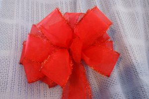 RED TINSEL - CHRISTMAS WREATH, SWAG, GARLAND OR PRESENT BOWS (3 BOWS/PACKAGE)