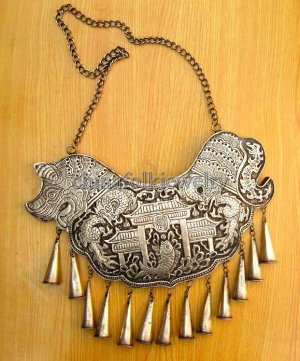 china miao character folk silver necklace