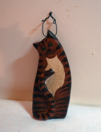 Wooden hanging cat plaque hand painted vintage cm1095