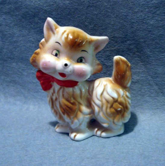 Antique flat cat figurine made in Japan cold painted cat collectibles cm1120