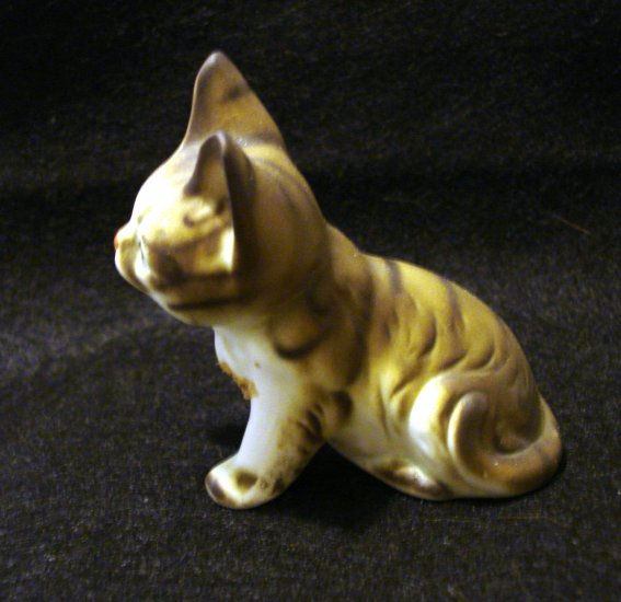Brown stripe white front bisque ware tabby kitten cat figurine Maneko neki cm1250