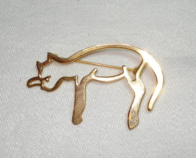 Nuri gold tone or plate cat pin brooch open work signed as new vintage costume jewelry cm1254