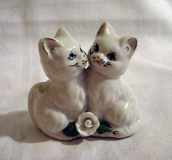 2 Loving kittens cats porcelain figurine white rose gold edging vintage cm1273