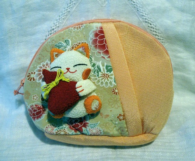 Japanese maneki neko welcome cat fabric cosmetic bag purse 2 zip compartments stuffed kitty cm1313
