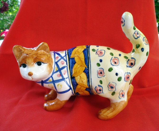Bella Casa by Ganz ceramic cat figurine hand painted pre-owned as new cm1327
