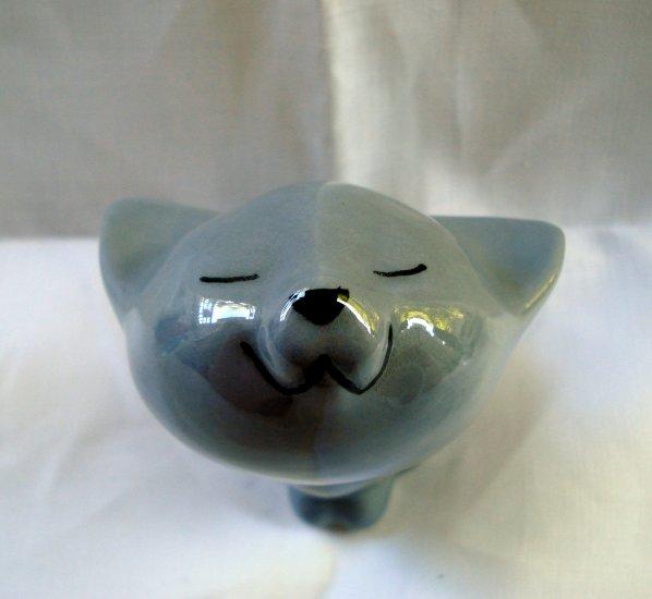 Blissful gray ceramic cat figurine perfect vintage cm1336