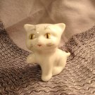 Welcome cat white porcelain figurine unusual markings vintage cm1388